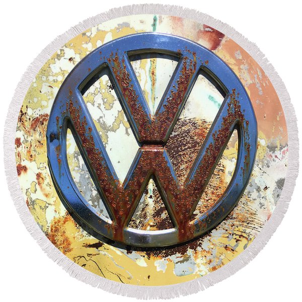 Vw Volkswagen Emblem With Rust Round Beach Towel