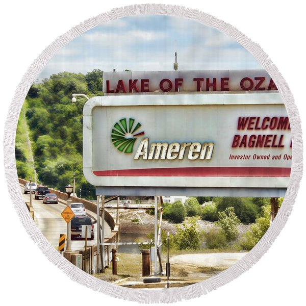 Welcome To Bagnell Dam Round Beach Towel