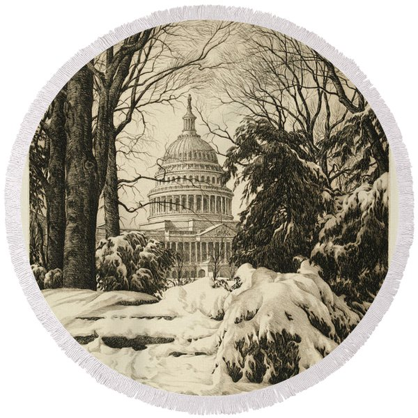 Winter At The Capitol Round Beach Towel
