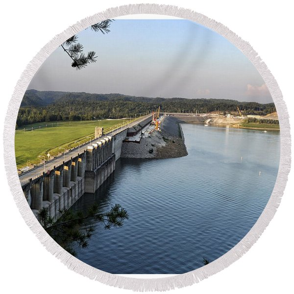 Wolf Creek Dam Round Beach Towel