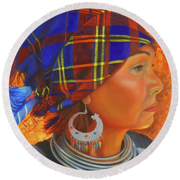 Woman In The Shadow Round Beach Towel