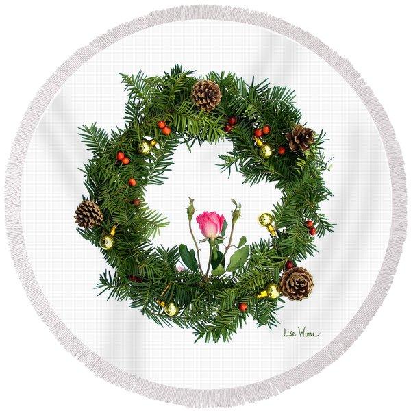 Wreath With Rose Round Beach Towel