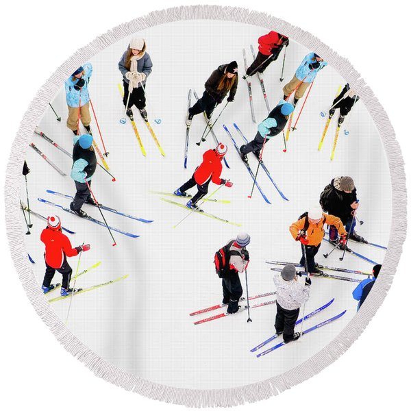 Young Skiers Round Beach Towel