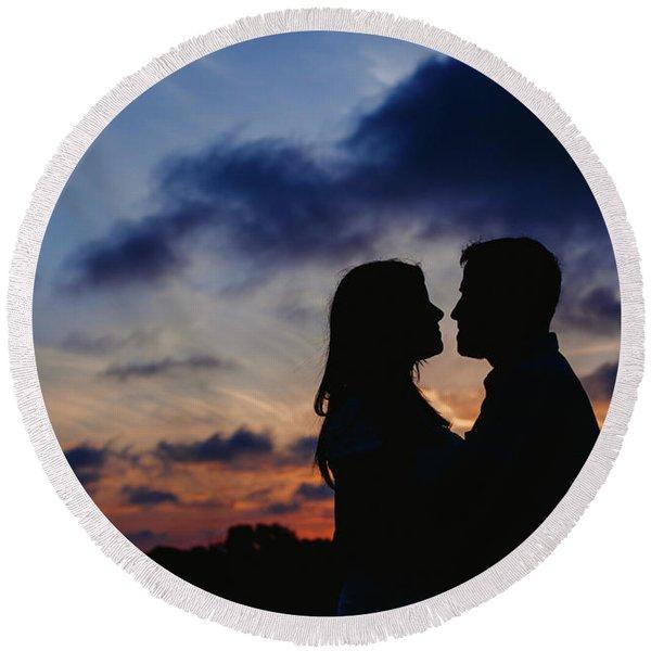 Couple With Cloud Sky Backlight Round Beach Towel