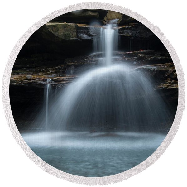 Kings River Falls Round Beach Towel