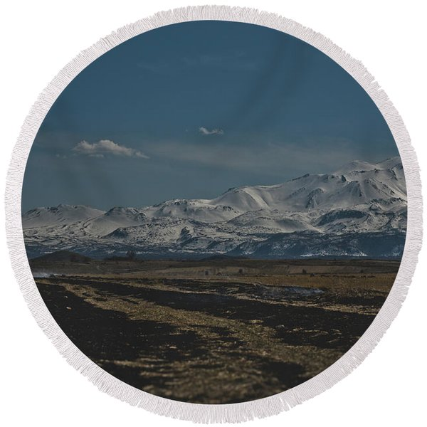 Snow-covered Mountains In The Turkish Region Of Capaddocia. Round Beach Towel