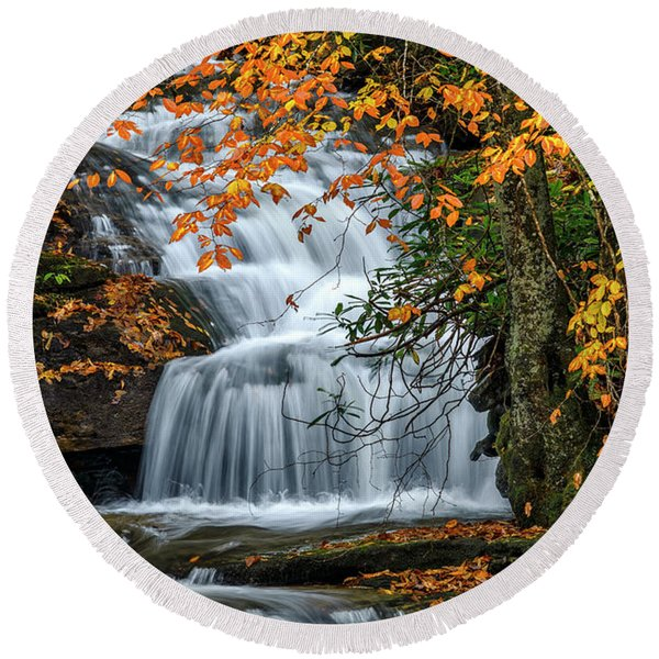 Waterfall And Fall Color Round Beach Towel