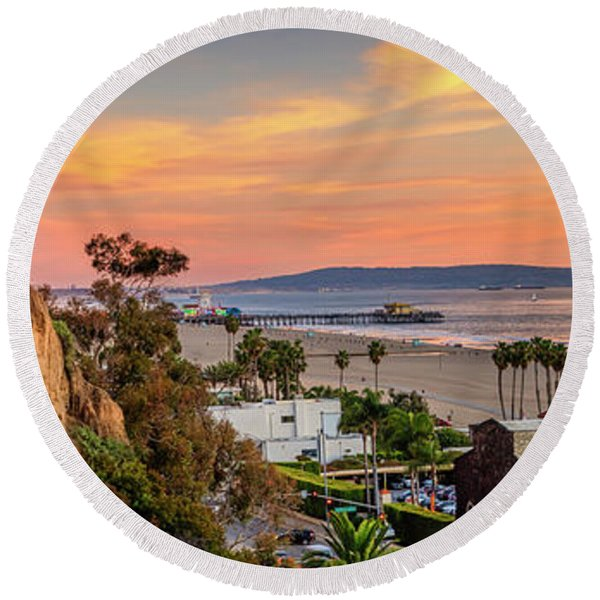A Nice Evening In The Park - Panorama Round Beach Towel