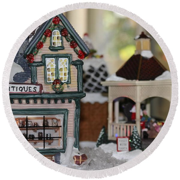 Antiques In Christmas Town Round Beach Towel
