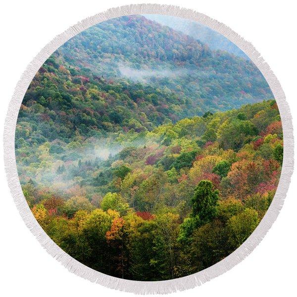 Autumn Hillsides With Mist Round Beach Towel