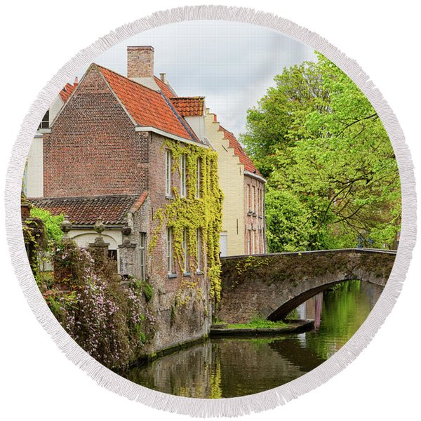 Bruges Footbridge Over Canal Round Beach Towel