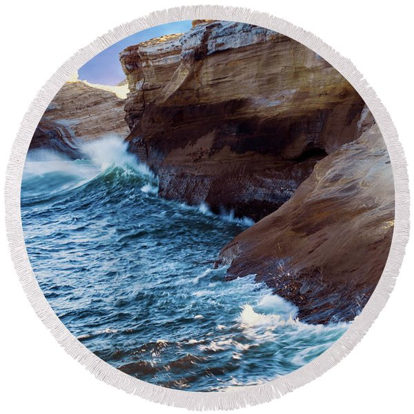 Cape Kiwanda Oregon V4 Round Beach Towel