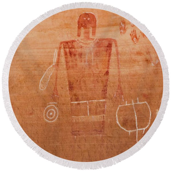 Close-up Of Anthropomorphic Petroglyph Round Beach Towel