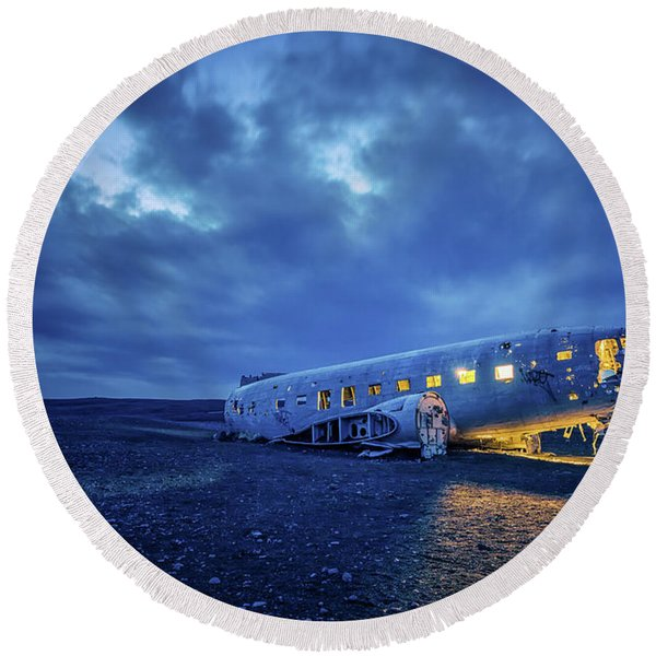 Dc-3 Plane Wreck Illuminated Night Iceland Round Beach Towel