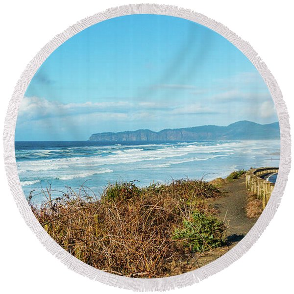Driving The Oregon Coast Round Beach Towel