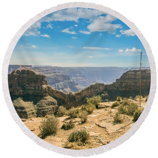 Eagle Rock, Grand Canyon. Round Beach Towel