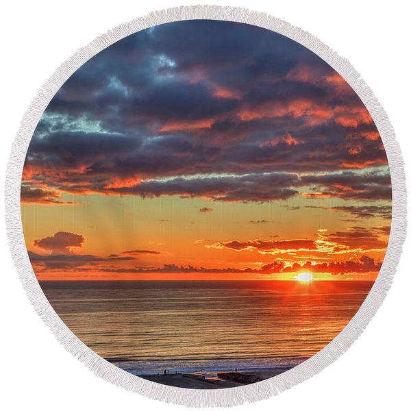 End Of Day Light Show Round Beach Towel