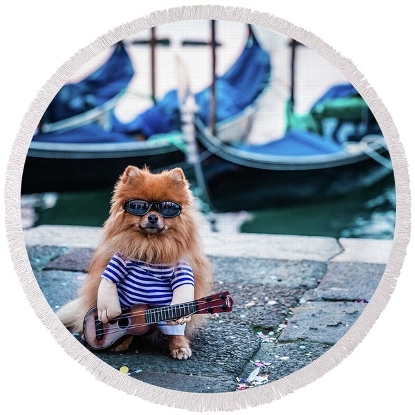 Funny Dog At The Carnival In Venice Round Beach Towel