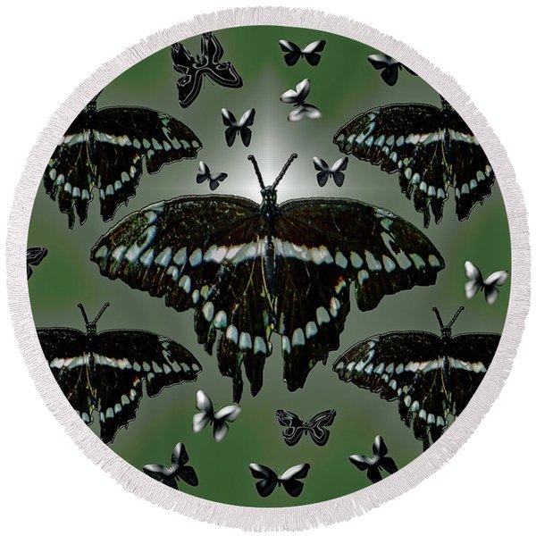 Giant Swallowtail Butterflies Round Beach Towel