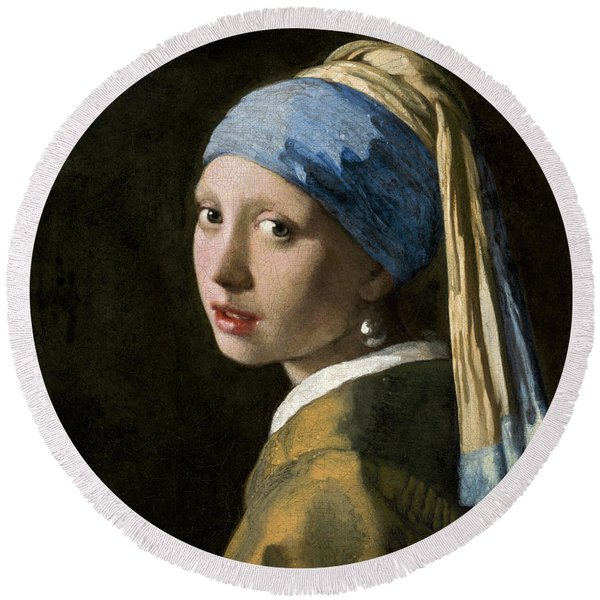 Girl With A Pearl Earring, 1665 Round Beach Towel