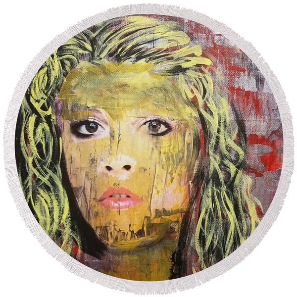 Gold Dust Woman Round Beach Towel