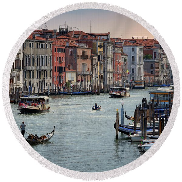 Grand Canal Gondolier Venice Italy Sunset Round Beach Towel