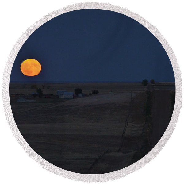 Round Beach Towel featuring the photograph Harvest Moon 2 by Carl Young
