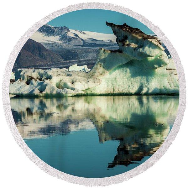 Iceberg, Jokulsarlon Round Beach Towel