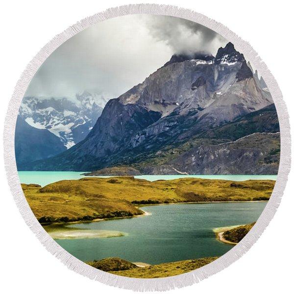 Laguna Larga, Lago Nordernskjoeld, Cuernos Del Paine, Torres Del Paine, Chile Round Beach Towel