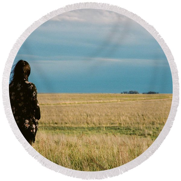 Round Beach Towel featuring the photograph Look To The West by Carl Young