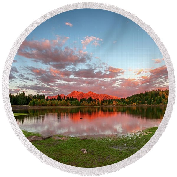 Lost Lake Sunset Round Beach Towel