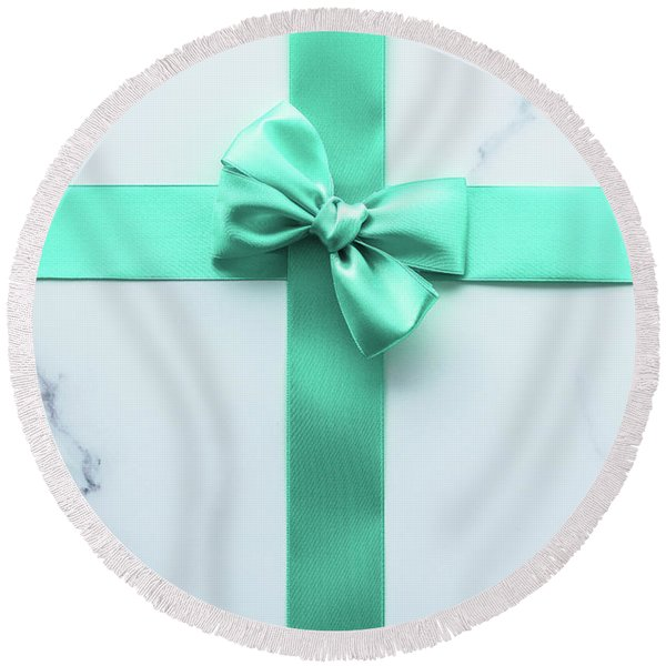 Lovely Gift II Round Beach Towel