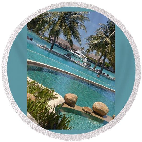Maldivies Round Beach Towel