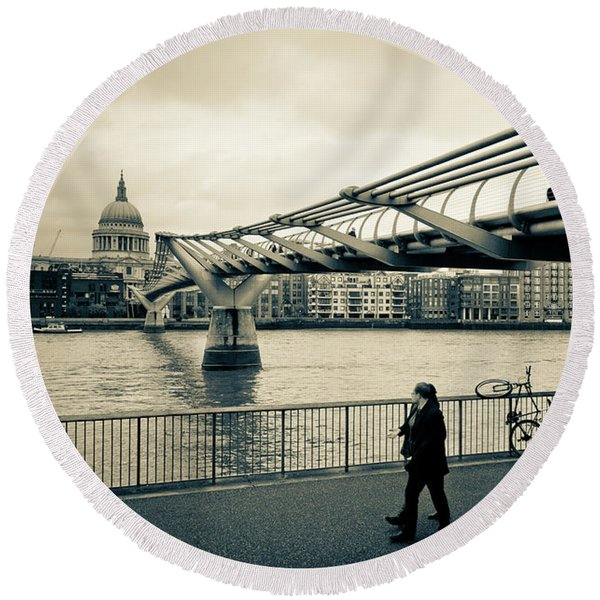 Millennium Bridge 03 Round Beach Towel