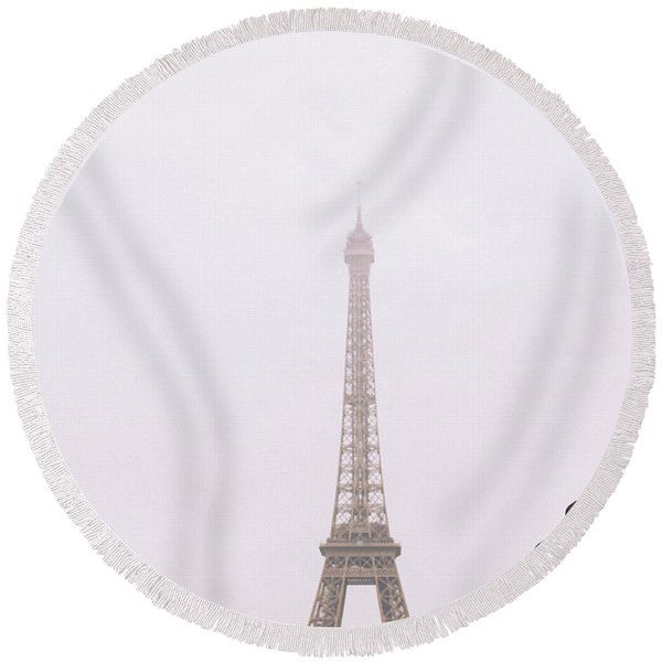 Newly-wed Couple On Their Honeymoon In Paris, Loving Having A Date Near The Eiffel Tower Round Beach Towel
