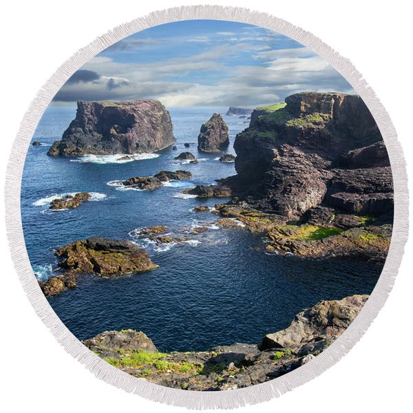 Northmavine Coast, Shetland Isles Round Beach Towel