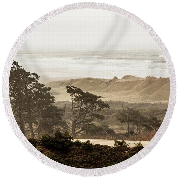 Oregon Waterfront Round Beach Towel