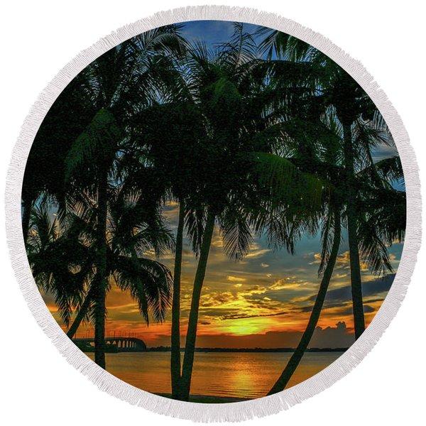 Palm Tree Lagoon Sunrise Round Beach Towel