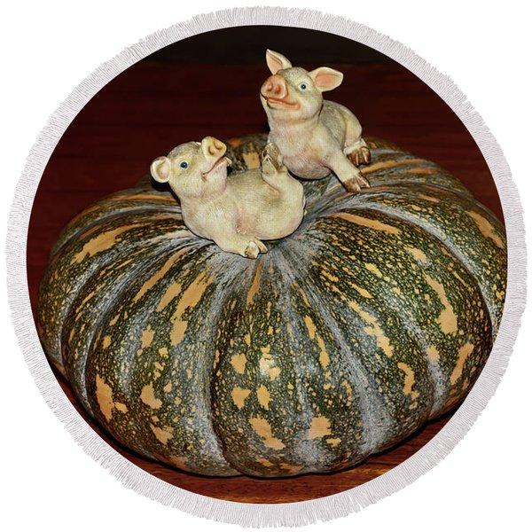 Pigs On Pumpkin By Kaye Menner Round Beach Towel