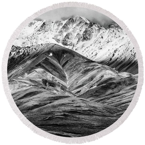 Polychrome Mountain, Denali National Park, Alaska, Bw Round Beach Towel