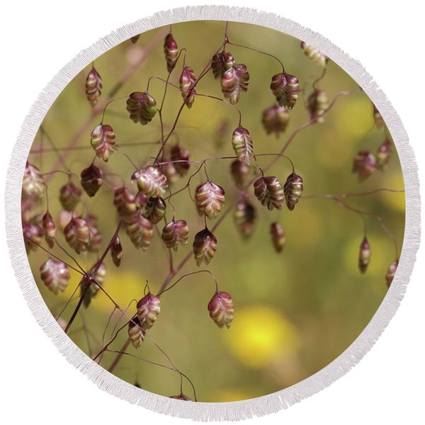 Quaking Grass Round Beach Towel