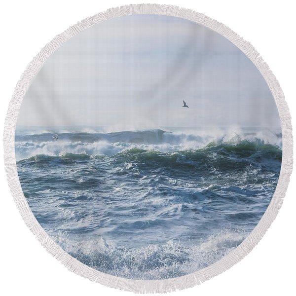 Reynisfjara Seagull Over Crashing Waves Round Beach Towel