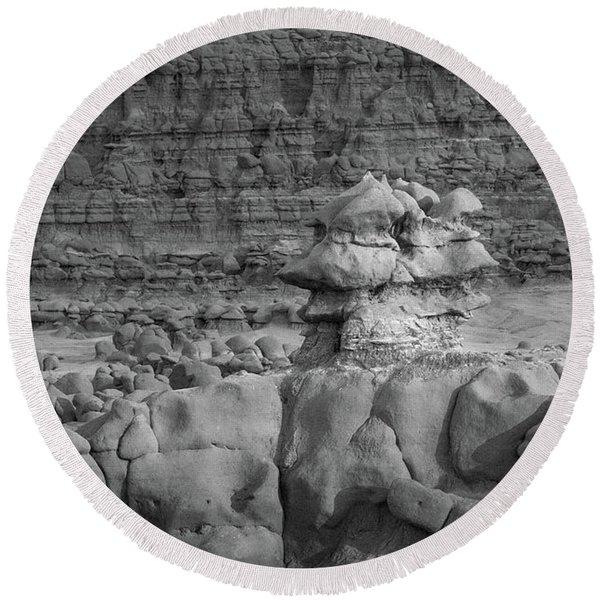Rocky Desert Formation Round Beach Towel