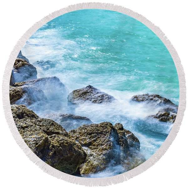 Sea Rocks In Montego Bay Round Beach Towel