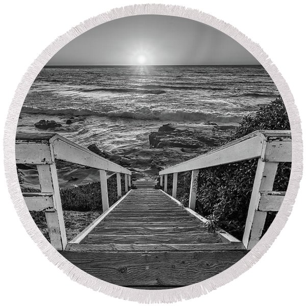 Steps To The Sun  Black And White Round Beach Towel