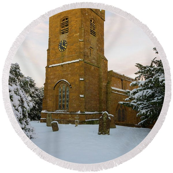 Stone Church In The Snow At Sunset Round Beach Towel