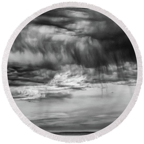 Stormy Sky In Black And White Round Beach Towel