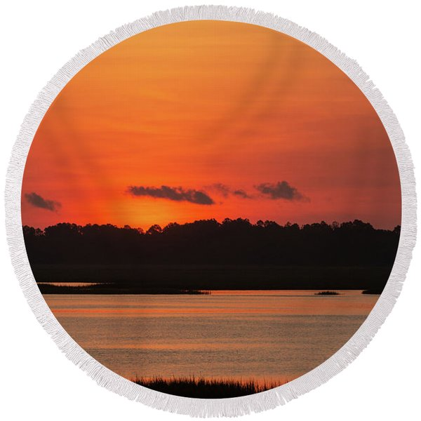 Sunrise Over Drunken Jack Island Round Beach Towel