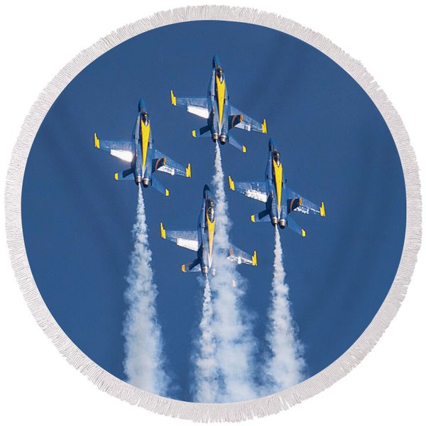 The Blue Angles Going Vertical Round Beach Towel