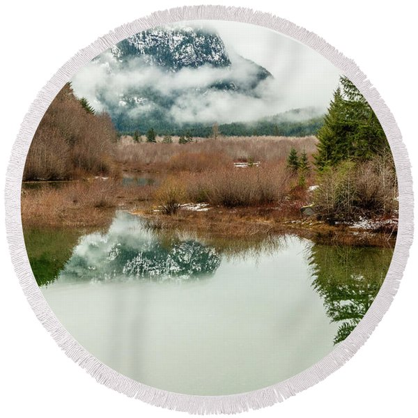 Thelwood Creek - Winter Round Beach Towel